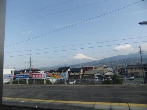 車窓の富士山20120320.JPG