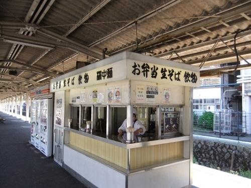 桃中軒@沼津駅(下り)20120408(未入店).JPG