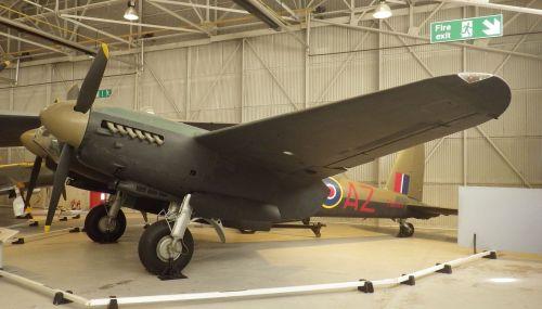 De_Havilland_Mosquito_TT35.jpg