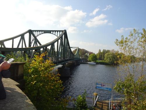 ドイツ 捕虜交換したグリーニッケ橋 (2).JPG