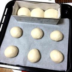 140228 パネトーネマザーで白いパン - 二次発酵開始