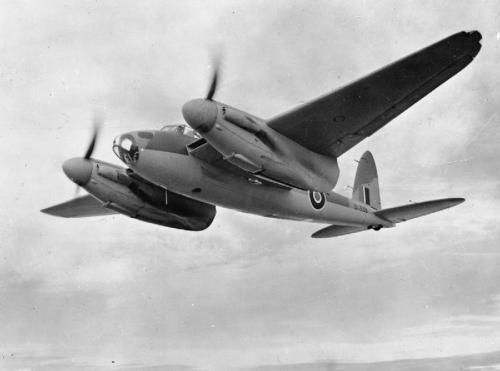 De_Havilland_Mosquito-DK338-1942.jpg