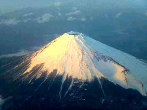 p1010966飛行機より富士山500加工jpg
