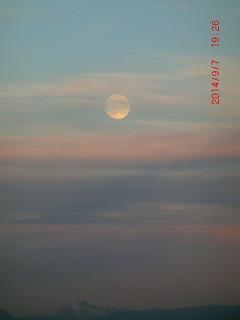 06 明日は満月.jpg